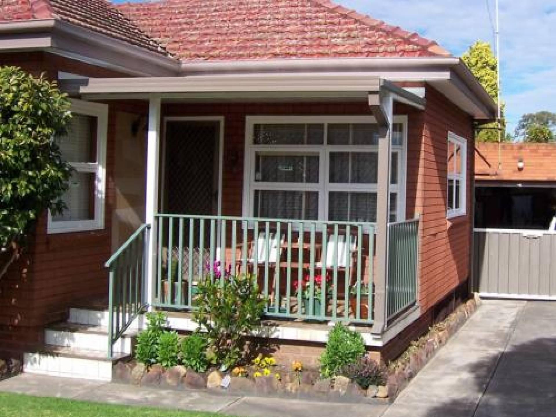 Wrought Iron Small Front Veranda Fence Design House Home Plans Blueprints 13746